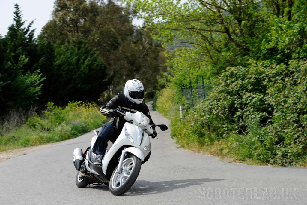 piaggio medley 125 launch review | road test - scooterlab