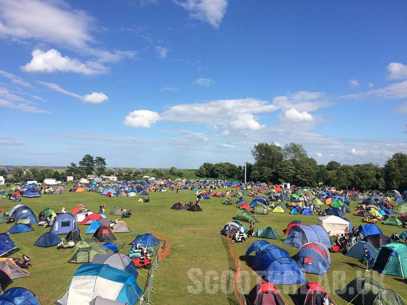Friday mid afternoon and the site is already busy, 1000 campers by 5pm.
